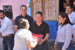 GOBIERNO MUNICIPAL BENEFICIÓ A 50 FAMILIAS CON ENTREGA DE DESPENSAS